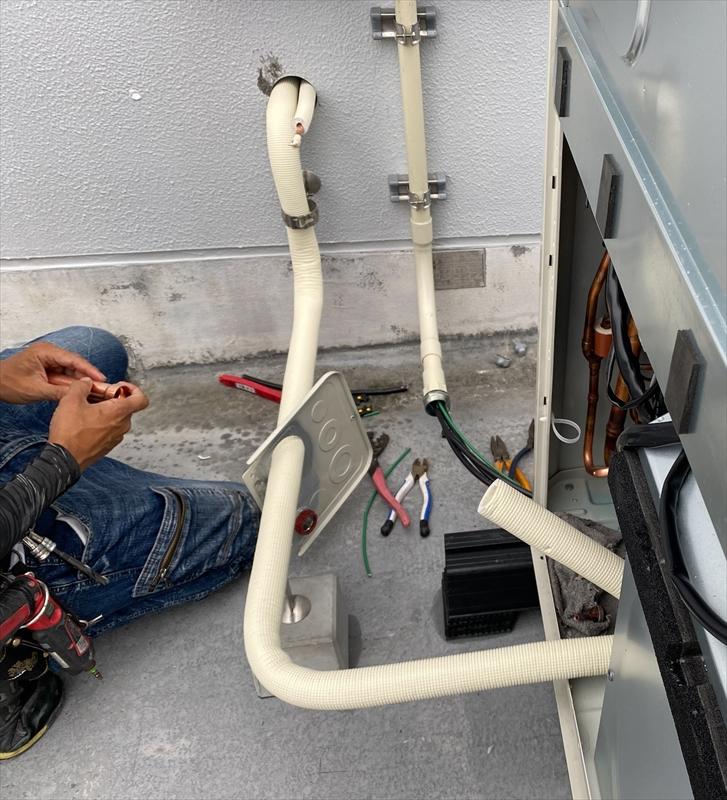 室外機廻り配管施工